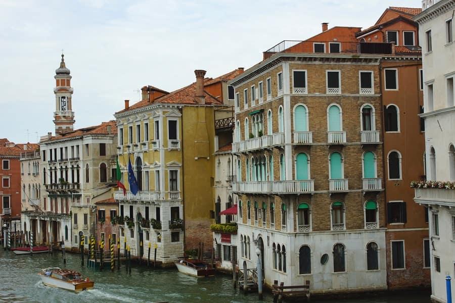 Тур в Прагу с поездкой в Италию
