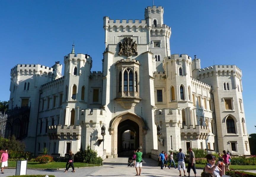 Экскурсионные туры в Чехию. Глубока над Влтавой