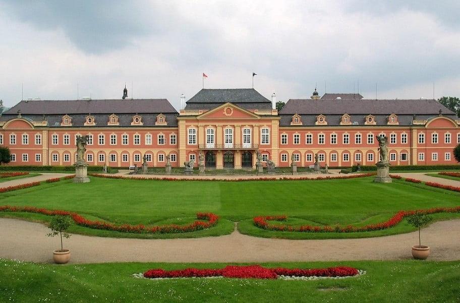 Экскурсионные туры в Чехию. Замок Добржиш