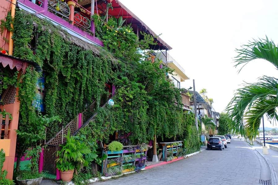 Экскурсионные туры в Гватемалу. Флорес. Улица у озера