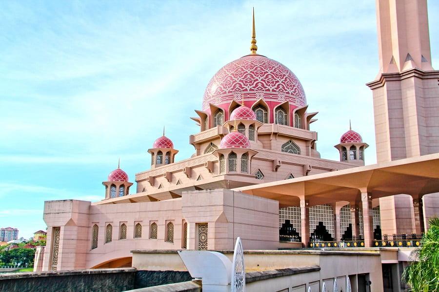 Экстурсионные туры в Малайзию. Розовая мечеть Путра фото