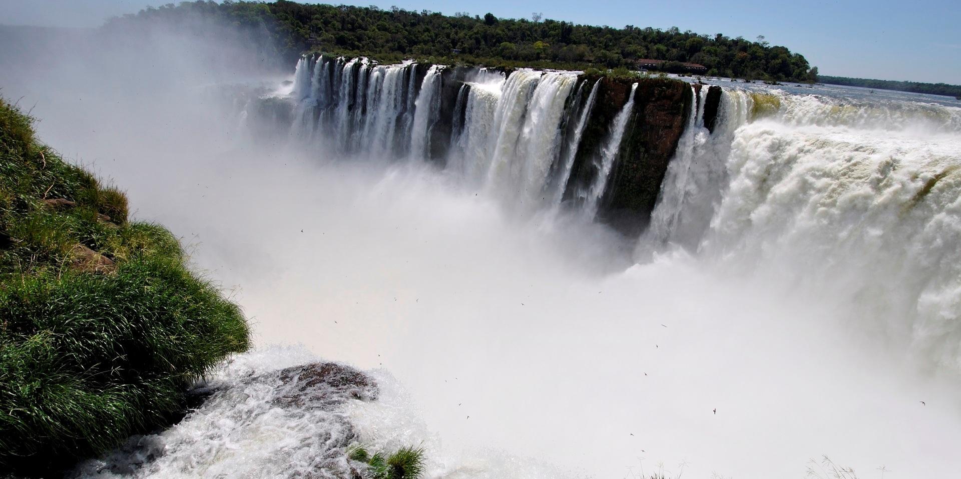 Туры в Бразилию. Водопады Игуасу. Глотка Дьявола