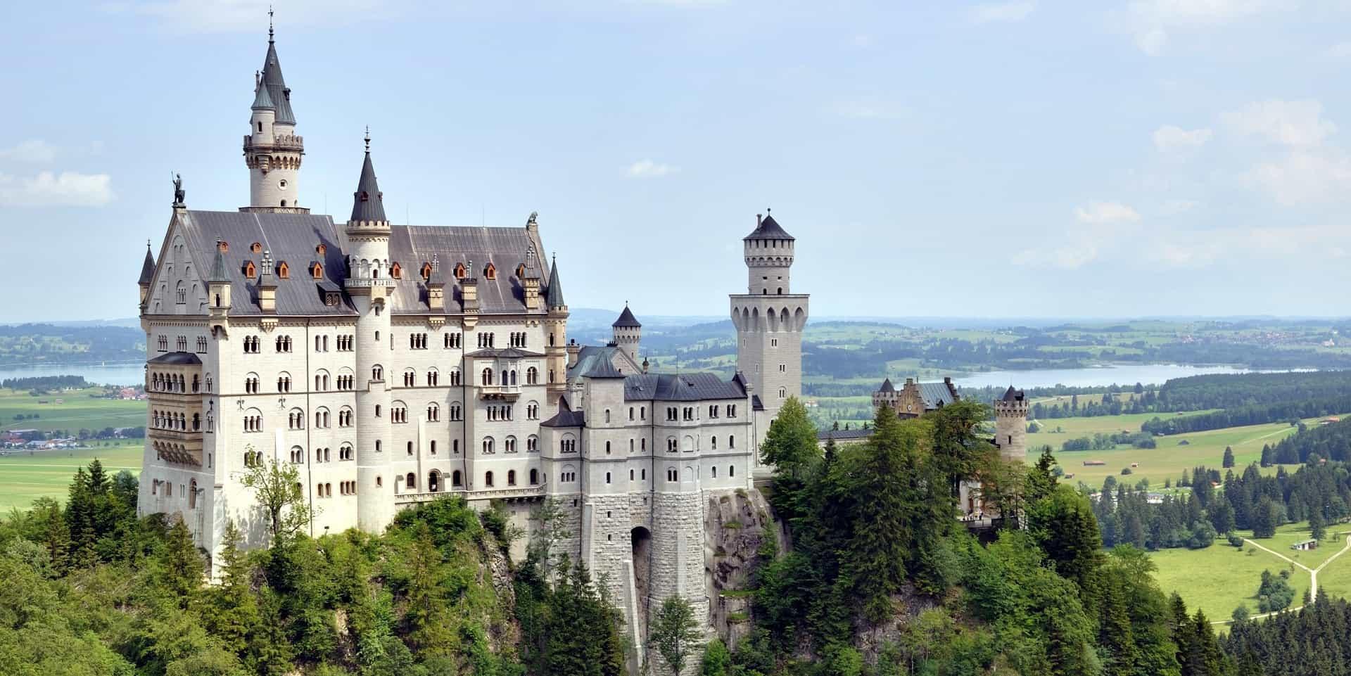 https://unicondor.com.ua/uploads/images/excursion-round-to-germany-noschwanstein.jpg