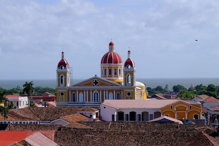 Групповые туры в Никарагуа. Гранада. Церковь Ла Мерсед фото