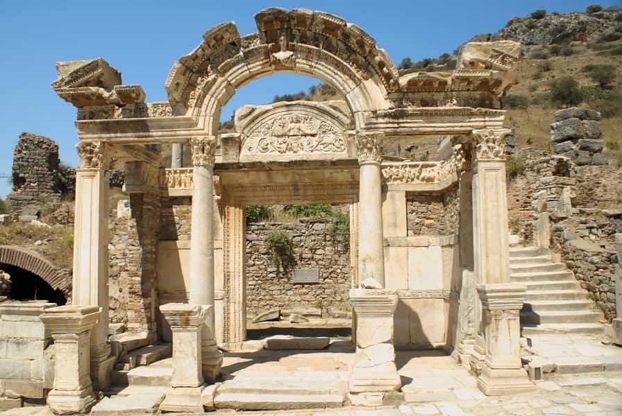 Групповые туры в Турцию. Эфес. Храм Артемиды