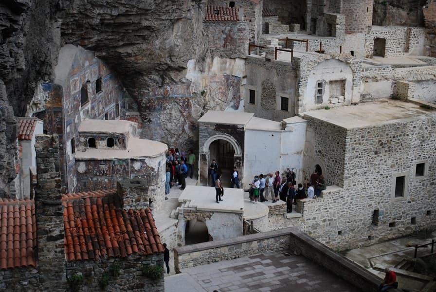 Групповые туры в Турцию. Трабзон. Город в скалах