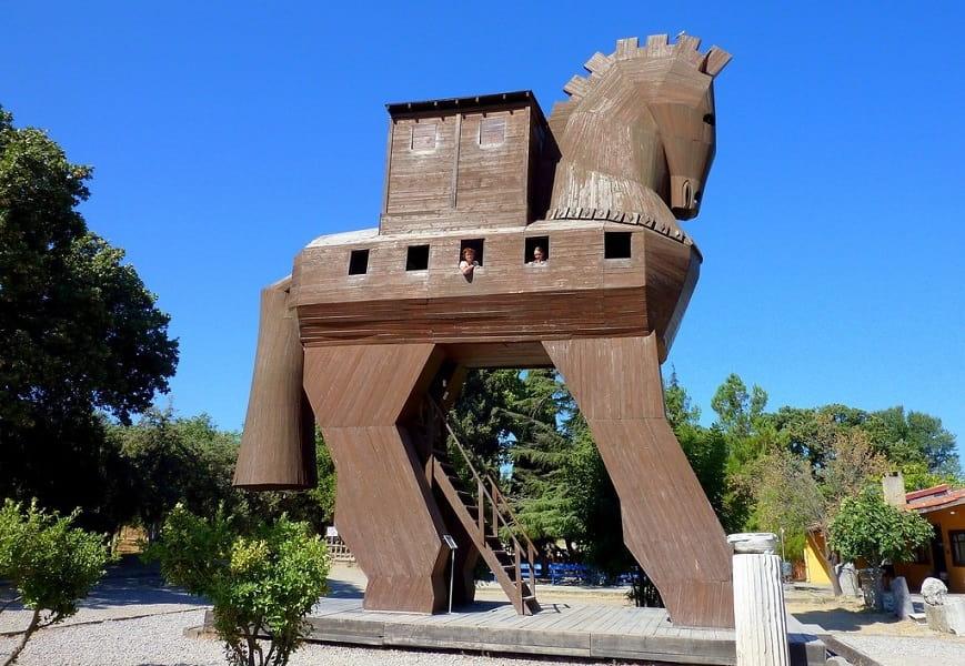 Групповые туры в Турцию. Троя. Троянский Конь