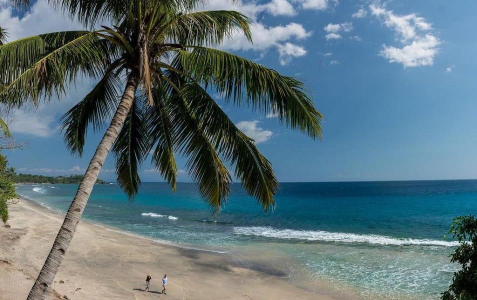 Отдых на Бали. Пляж отеля Катамаран