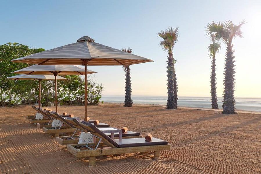 Отдых на Бали. Пляж отеля на Нуса Дуа