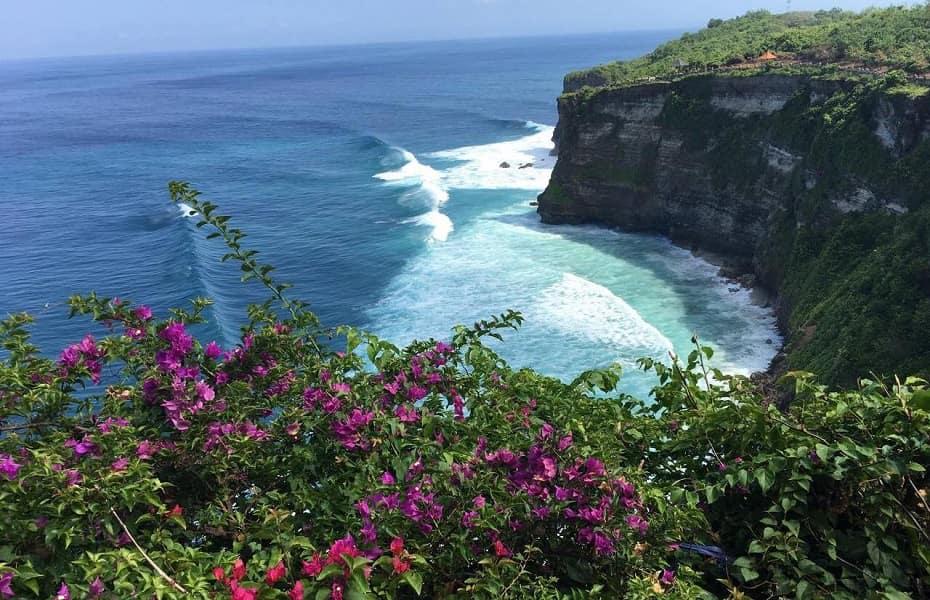 Отдых на Бали. Вид из храма Улувату