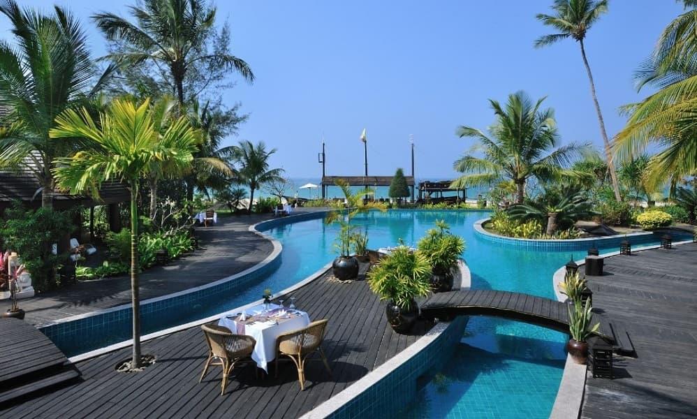 Отдых в Мьянме. Нгапали. Aureum Palace Hotel