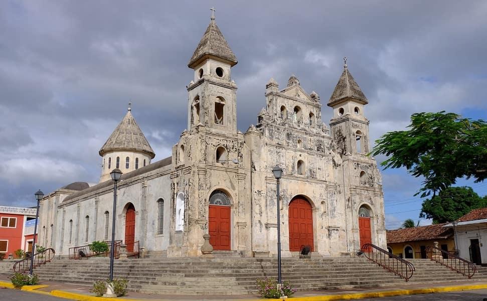 Отдых в Никарагуа. Гранада. Церковь св.Гваделупы
