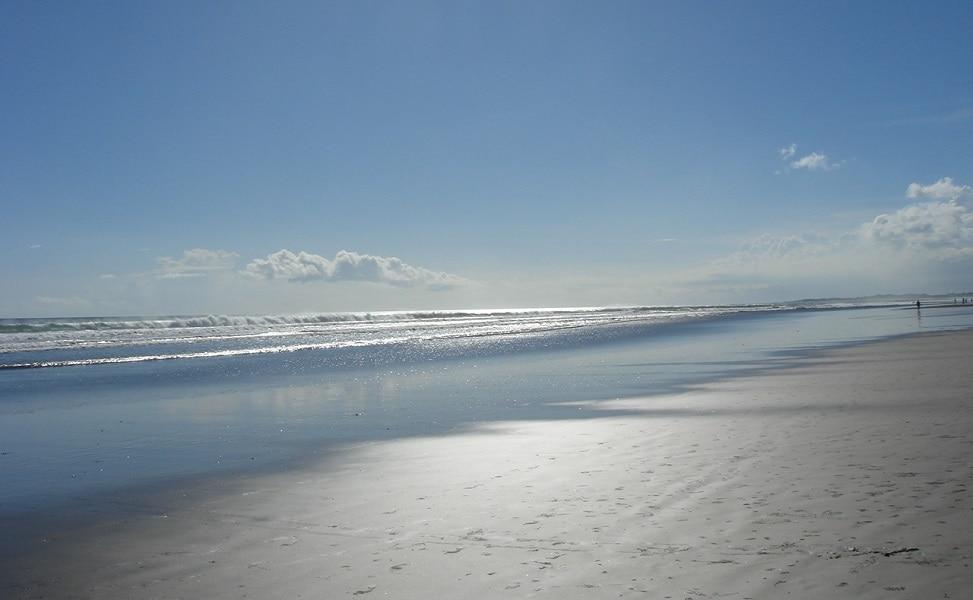 Пляжный отдых в Индонезии. Семиньяк, отлив