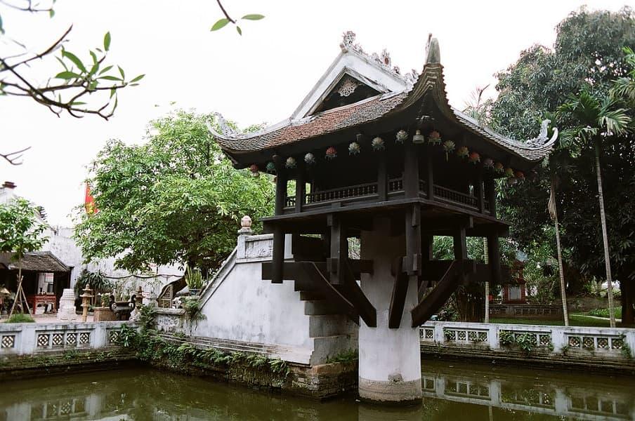 Поездка во Вьетнам. Ханой. Пагода на одном столбе
