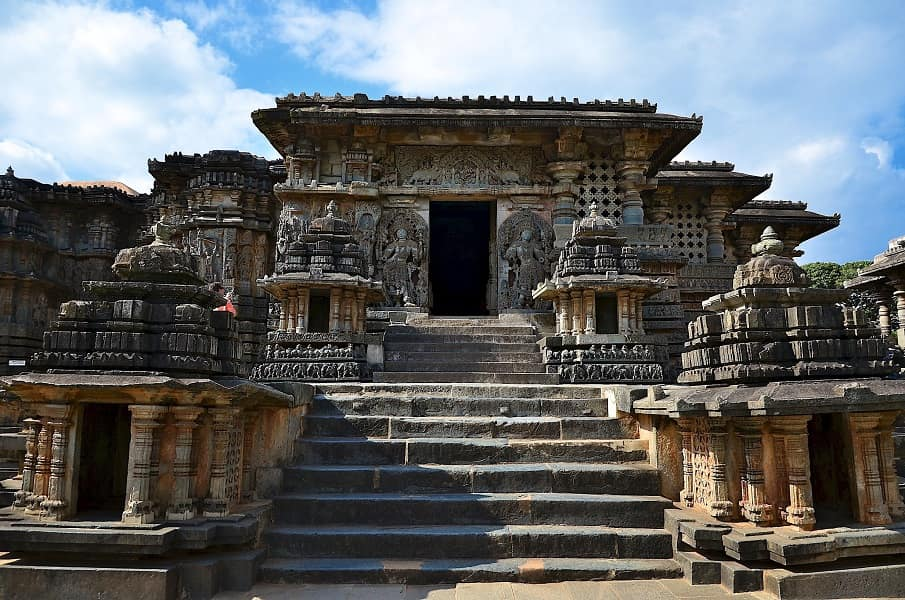 Пушетештвия по Индии . Халебиду. Хойсалешвар Храм