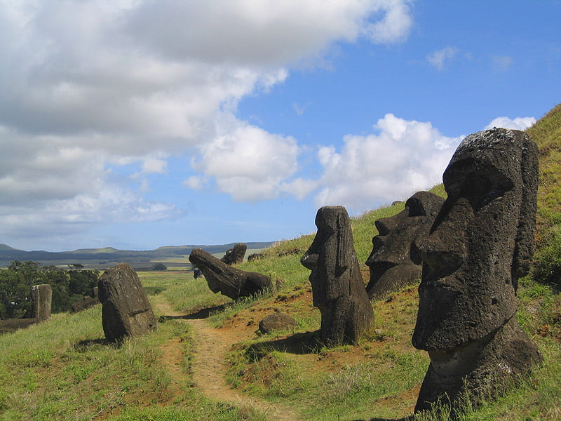 Путешествие в Чили. Остров Пасхи. Статуи моаев