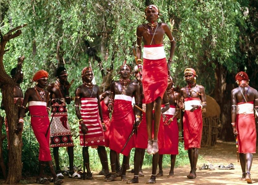 Путешествие в Кении. Племя самбуру. Танцоры