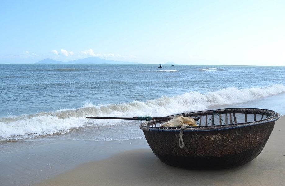 Путешествие во Вьетнам. Хойан. Рыбацкая лодка