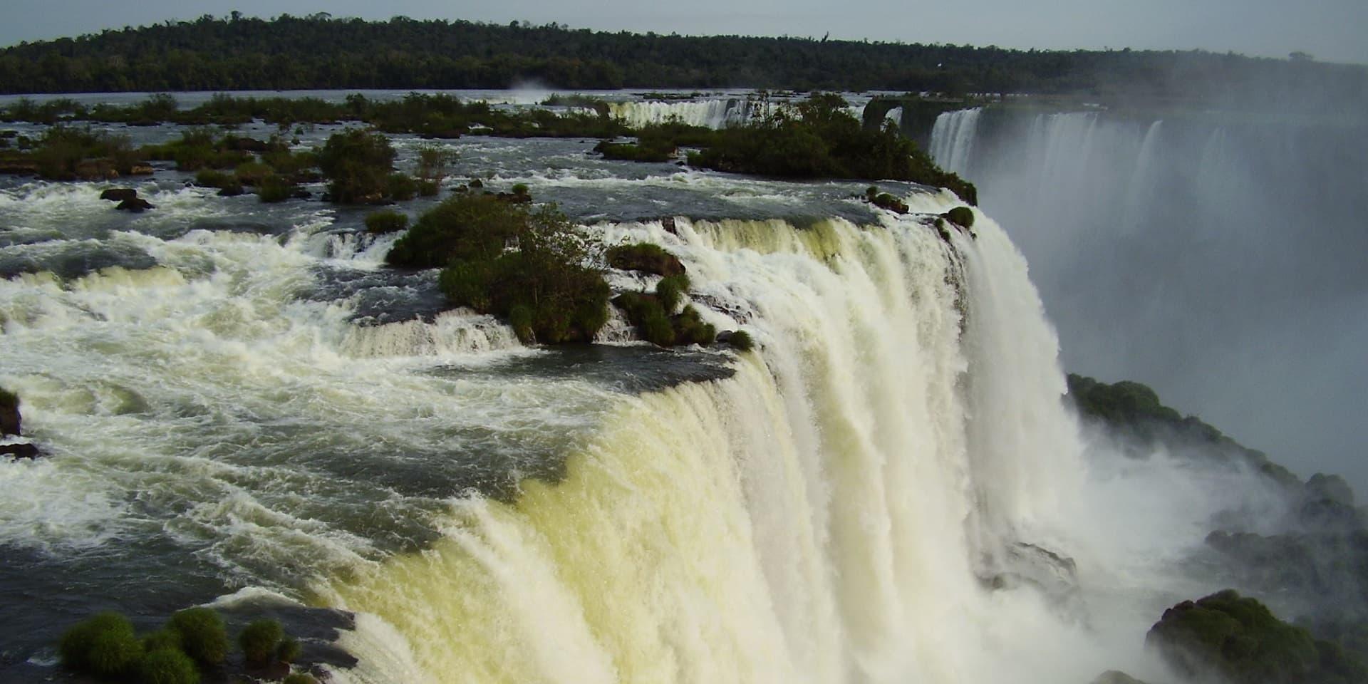 Тур в Бразилию. Водопад Игуасу. Вид с аргентинской стороны