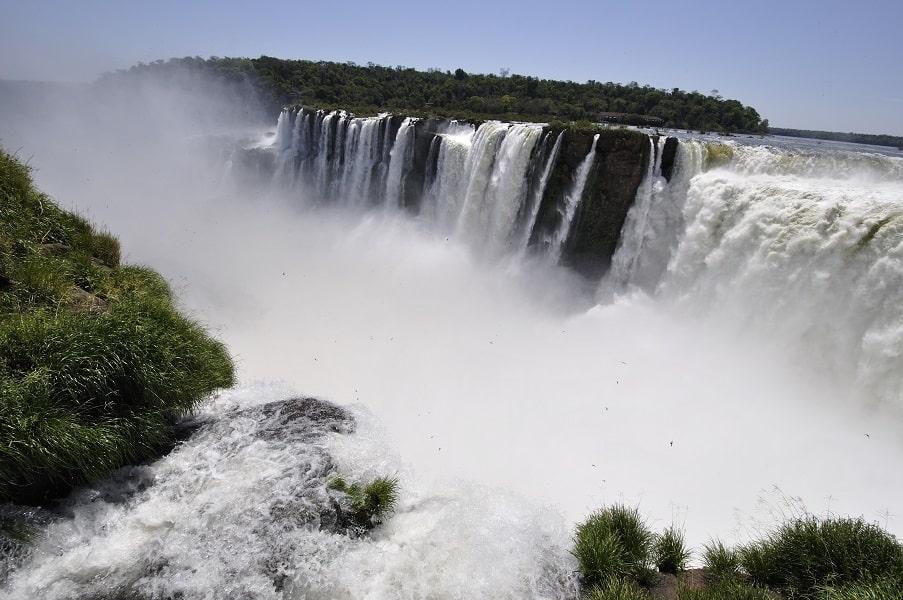 Туры в Аргентину. Игуасу. Вид на Глотку дьявола