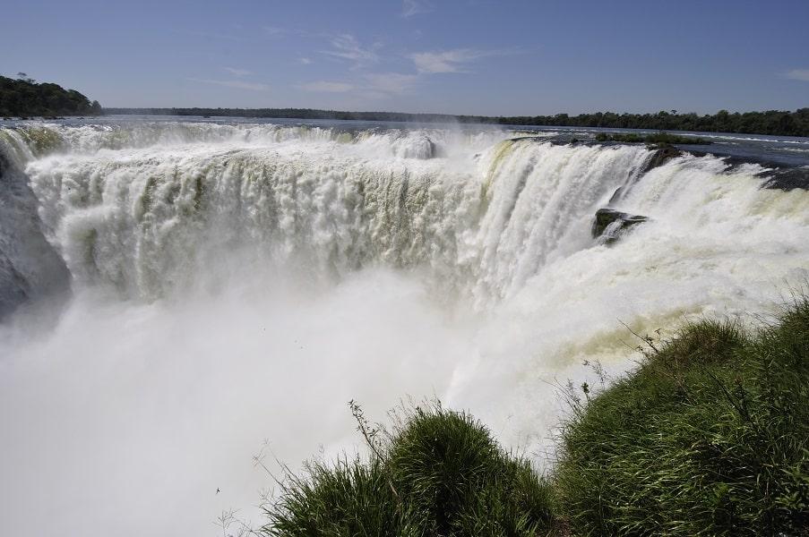 Туры в Аргентину. Игуасу. Водопад Глотка дьявола