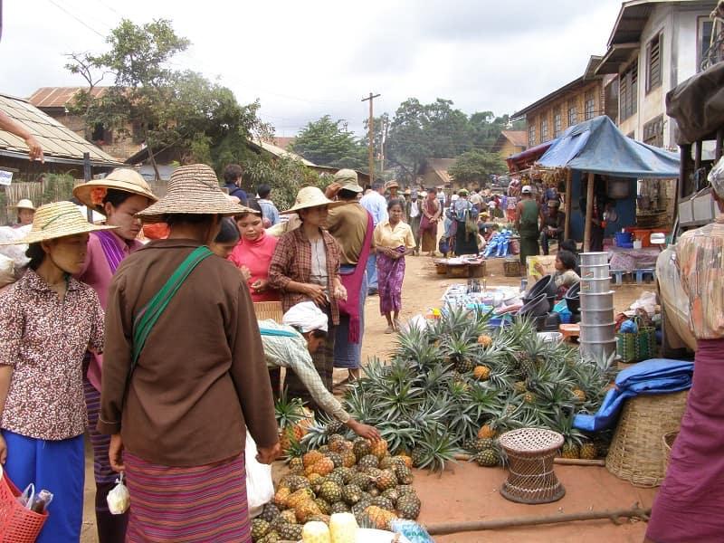 Туры в Бирму. Рынок по дороге к озеру Инле
