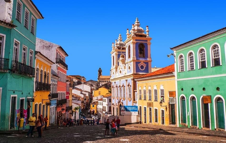 Туры в Бразилию. Центральная улица Сальвадора фото