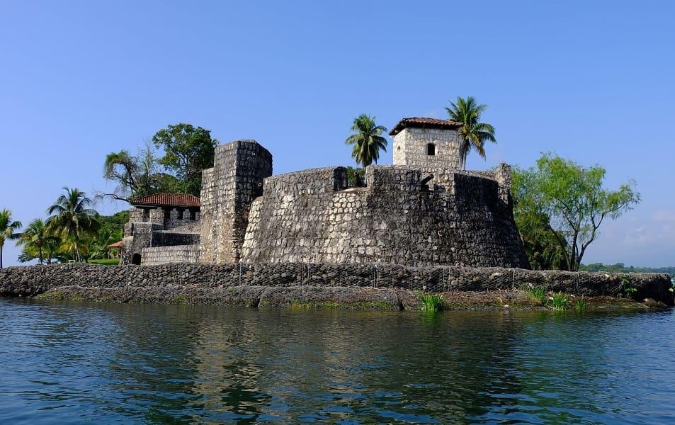 Туры в Гватемалу. Рио Дульсе. Крепость святого Филиппа