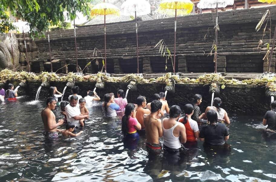 Туры в Индонезию. Бали. Праздник воды