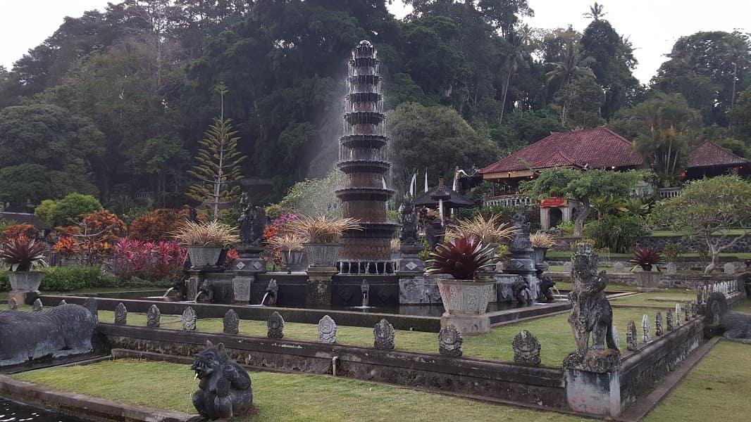 Туры в Индонезию. Бали. Водный дворец