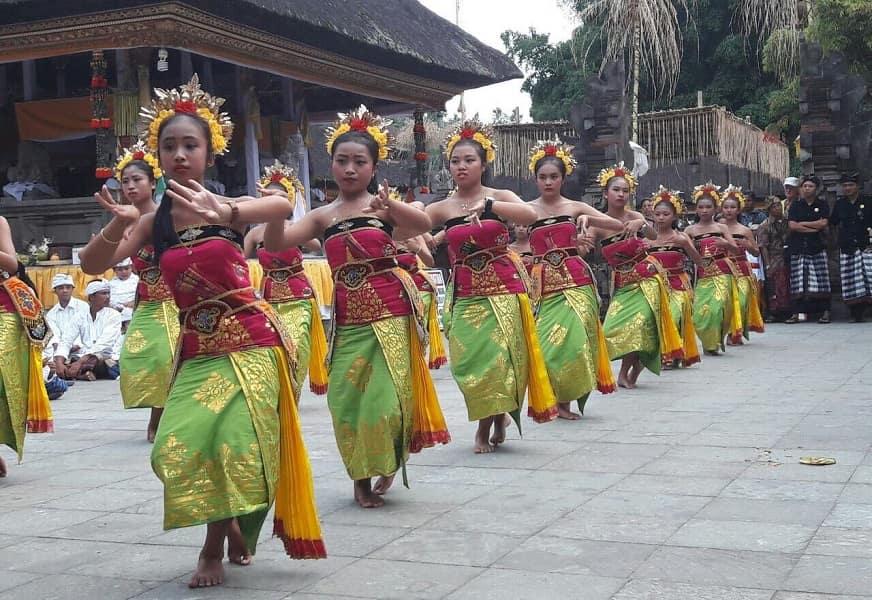 Туры в Индонезию. Балийские танцы. Национальный праздник