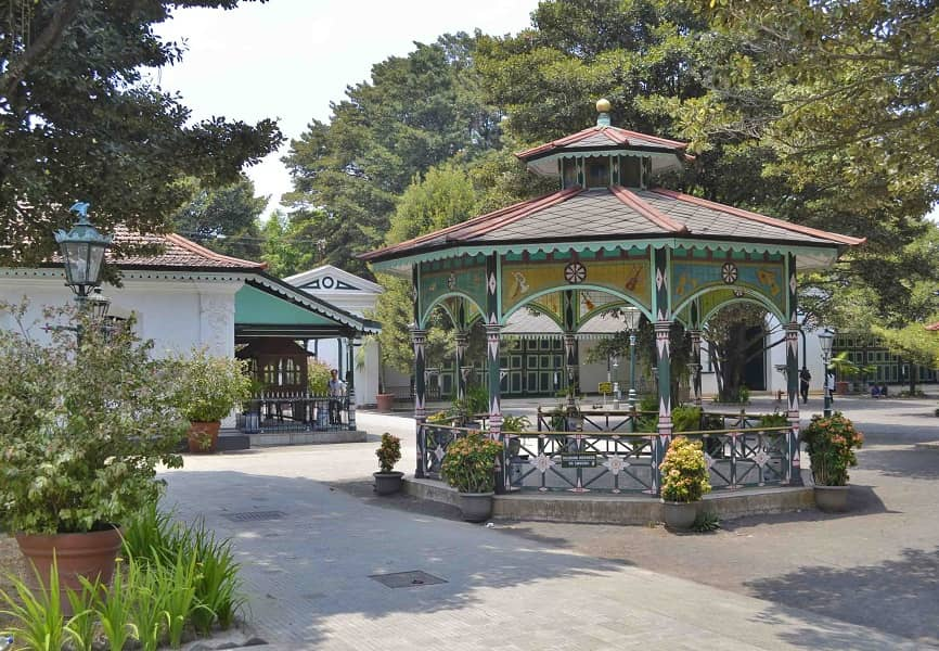 Туры в Индонезию. Джокьякарта. Дворец Султана дворик