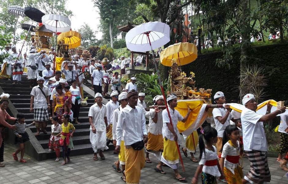 Тур в Индонезию. Национальный праздник