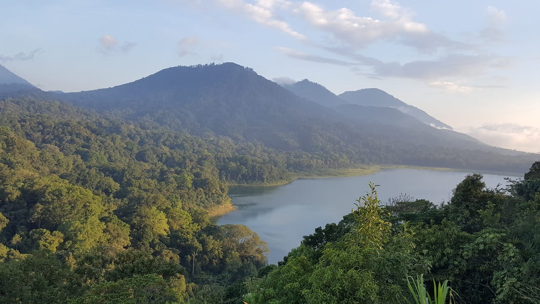 Туры в Индонезию. Север Бали. Озеро Буян