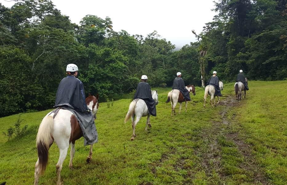 Туры в Коста Рику. Прогулка в окрестностях Ареналя
