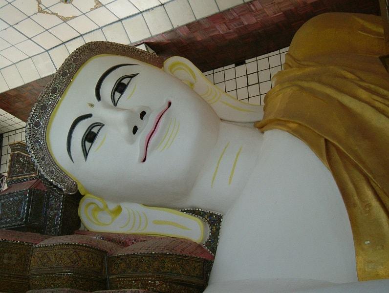 Туры в Мьянму. Баго. Лежащий Будда фото