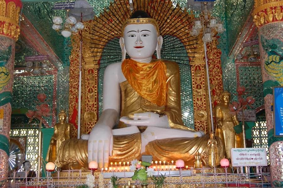 Туры в Мьянму. Холм Сагаин. Лик Будды фото