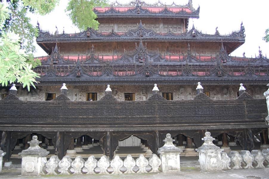Туры в Мьянму. Мандалай. Монастырь Швенандо фото