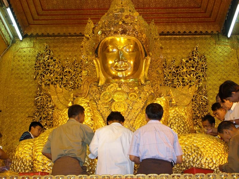 Туры в Мьянму. Мандалай. Священный лик Будды Махамуни