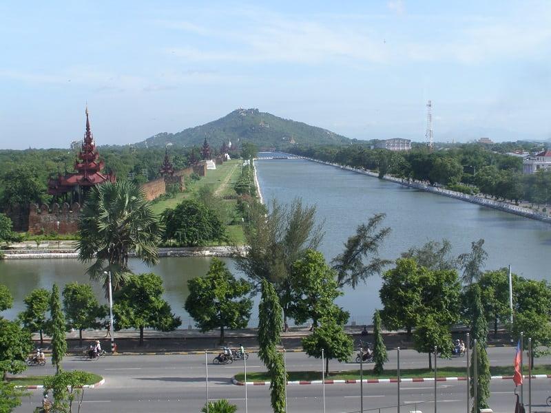 Туры в Мьянму. Мандалай. Вид на канал города