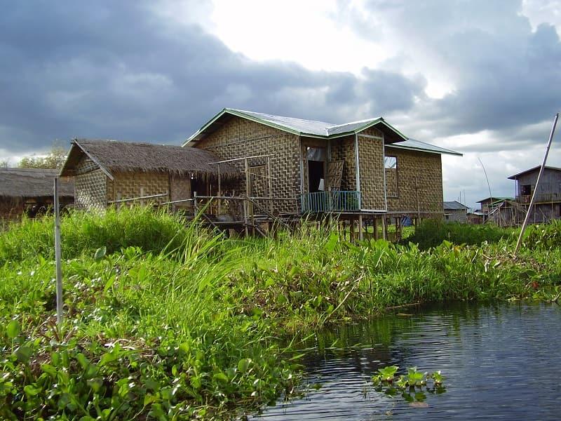 Туры в Мьянму. Озеро Инле. Жилища фото