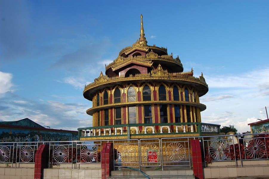 Туры в Мьянму. Пагода возле Золотого камня