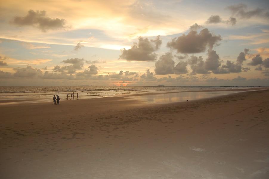 Туры в Мьянму. Пляж Нгве Саунг фото