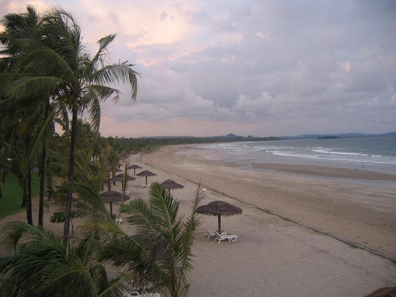 Туры в Мьянму. Пляжная линия курорта Нгве Саунг