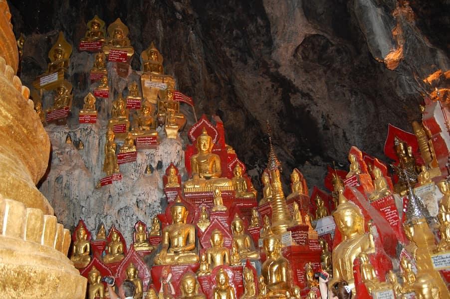 Туры в Мьянму. Скульптуры Будд в пещере Пиндайя фото