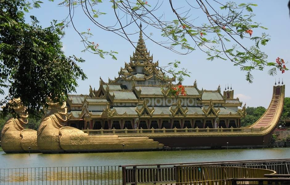 Туры в Мьянму. Янгон. Королевская баржа Каравейк