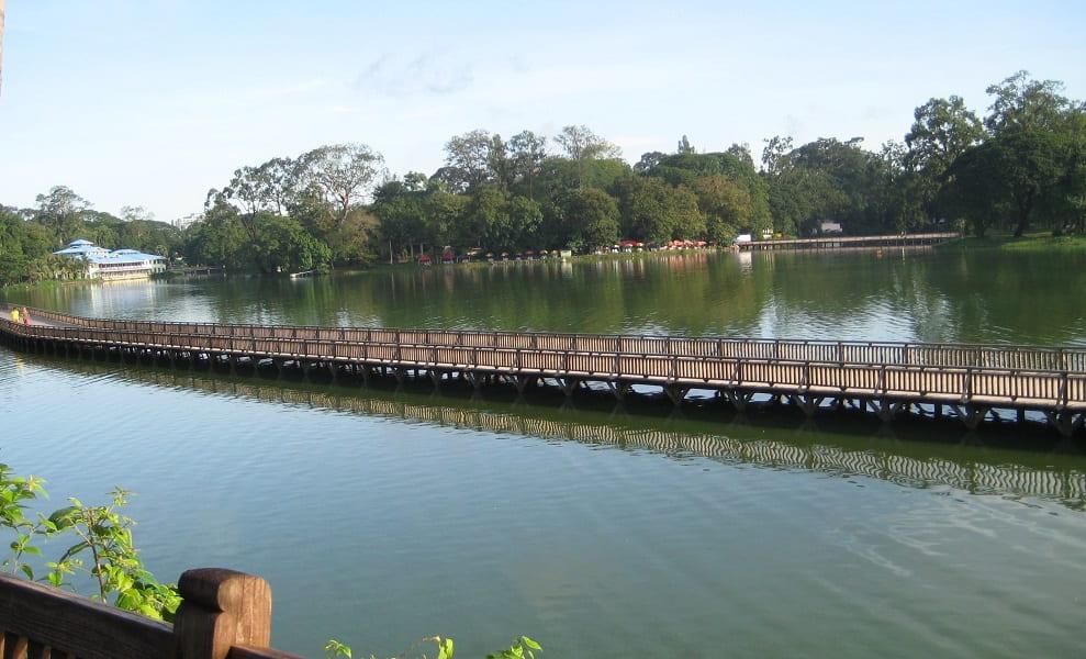 Туры в Мьянму. Янгон. Мост на озере Кандоджи