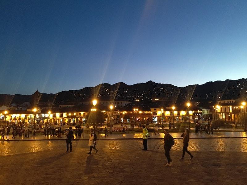 Вечерний город Куско фото