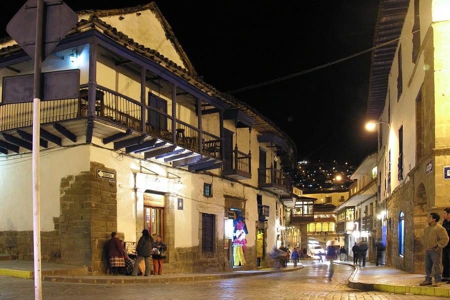 Вечерний город Куско Перу фото