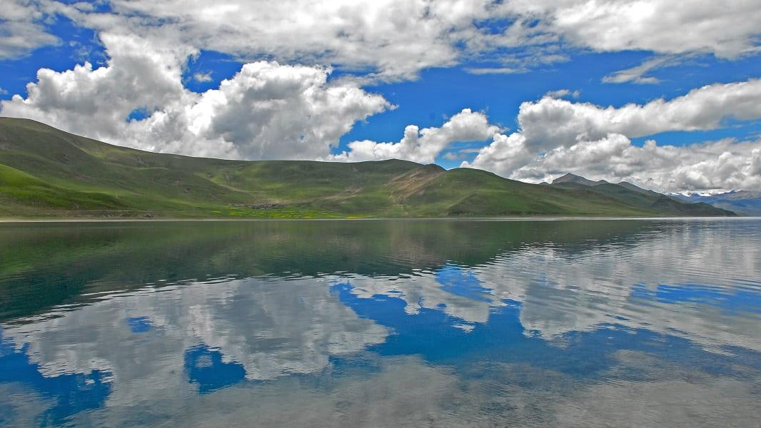 Туры в Тибет. Озеро Ямдрок фото